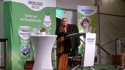 Dr. Vandana Shiva spricht in Andechs über eine ökologische Landwirtschaft